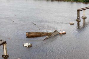 crolla ponte in brasile