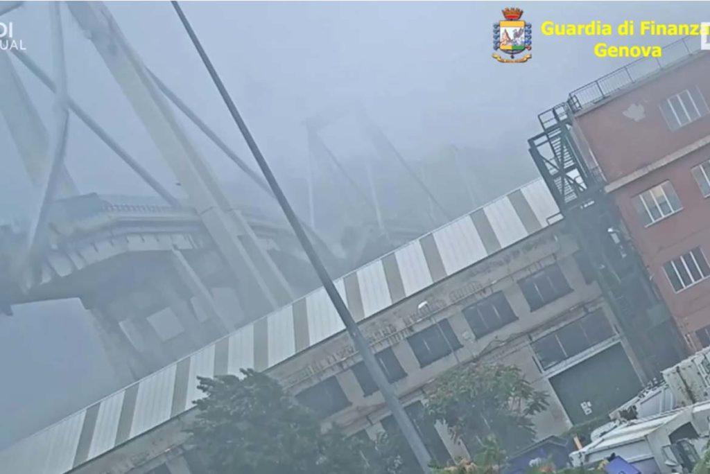 video del crollo Ponte Morandi