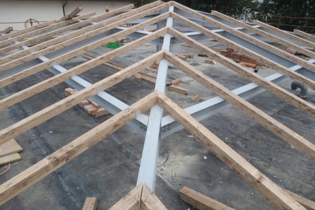 Progetto di una copertura di un edificio esistente